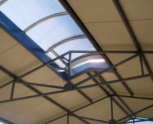 Hala stalowa - świetliki dachowe